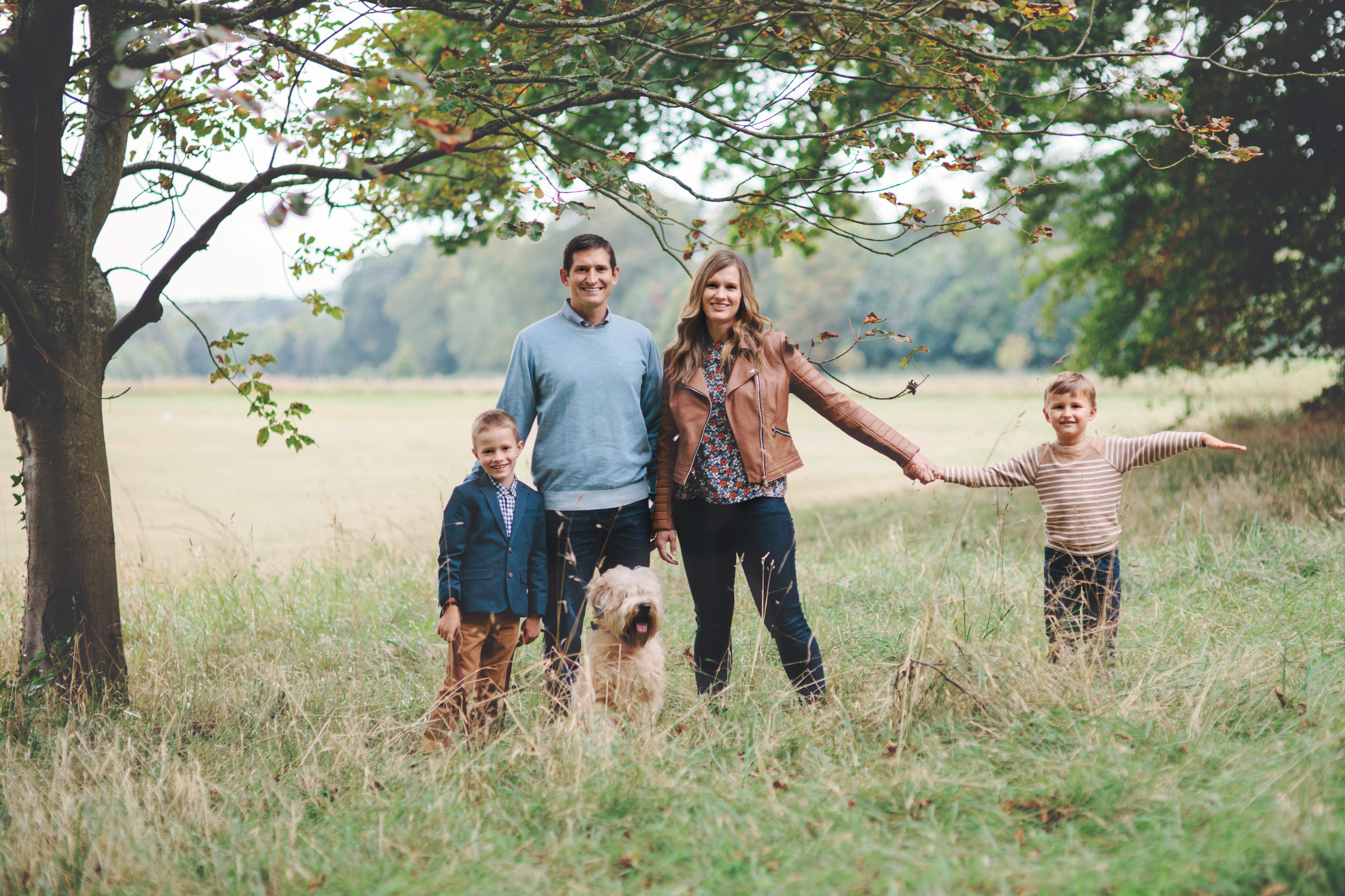 Family of four Autumn countryside photoshoot