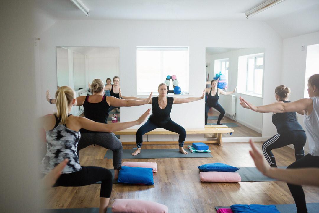 Prega-Mummas Yoga class stretching
