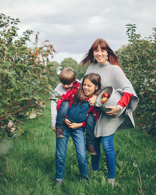 Autumn mini sessions fun family portrait in apple orchard by Moira Lizzie Photography