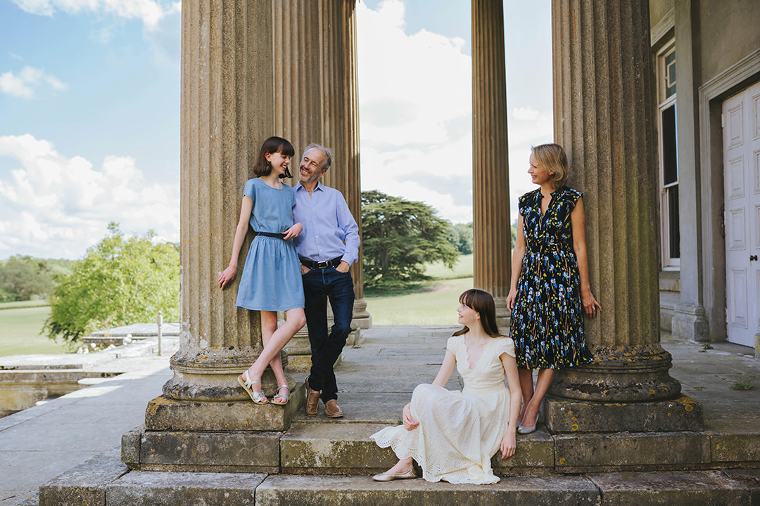 Family session featuring pantone colour of the year 2021 by Moira Lizzie Photography
